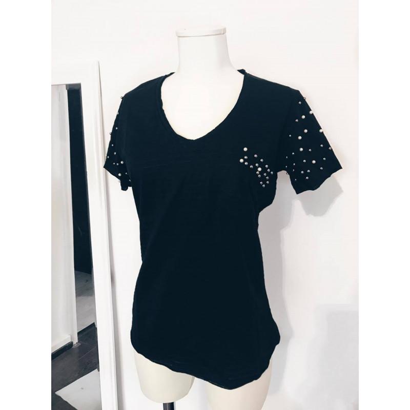 Tricou negru cu perle