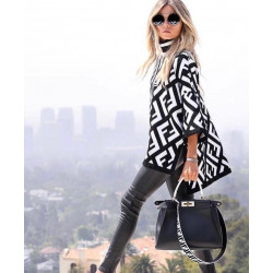Pulover geometric black and white  turtleneck