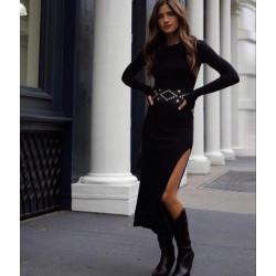 Rochie neagra pe corp