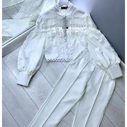 Compleu Divine white