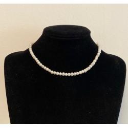 Choker pearls